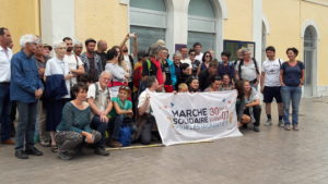 Jeunes et moins jeunes, ils participent un jour ou plus à cette entreprise solidaire qui a pour objectif de faire changer les regards sur les migrants et faire évoluer les lois (© Pierre Nouvelle).