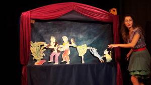 Au théâtre Al Andalus, la compagnie Bateau de papier présente deux spectacles très amusants, alors même que la pièce de Tchékhov traite d'u sujet sérieux dans les relations au sein d'un couple (© Pierre Nouvelle).