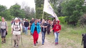 Partie le 30 avril de Vintimille, à la frontière italo-française, une marche pour l'accueil des étrangers a rejoint Londres le 8 juillet après être passé par Calais, à la frontière franco-anglaise (© Pierre Nouvelle).