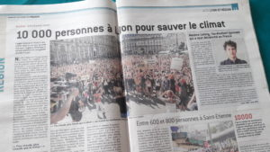 Une trentaine de marcheurs à Lyon, voilà un premier en vue d'un rassemblement plus large (© Pierre Nouvelle).