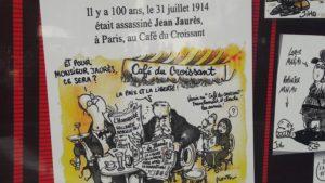 Le 31 juillet 2017, jour(anniversaire de l'assassinat du journaliste et homme politique socialiste Jean Jurès, fut un temps d'exception pour l'ensemble des syndicats de journalistes réunis pour un hommage au fondateur de l(Humanité et pour un rappel du président Hollande à ses promesses de campagne (© Jean Plantu/SNJ).