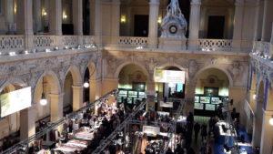 Le marché de la soierie lyonnaise, Silk in Lyon est aussi un événement culturel et théâtral (© Pierre Nouvelle).