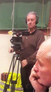 présent lors de la réunion viennoise des Gilets jaunes, le réalisateur cinéma Jean-Paul Julliand a filmé cer erexrcice démocratique dont ces nouveaux militants font l'apprentissage (© Pierre Nouvelle).