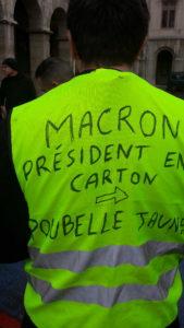 Au delà des revendications sur le pouvoir d'achat et sur la démocrati, v'est la personne même du président de la République qui est mise en cause (© Pierre Nouvelle).