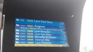 Il n'est quasiment pas de jour où les trains entre Valence et Lyon ne soient bondés ou en retard (© Pierre Nouvelle).