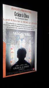 Ce nouveau film de François Ozon reprend le thème de la fragilité humaine, et notamment des hommes au travers du drame d'enfants victimes de prêtres pédo-sexuels (© Pierre Nouvelle).