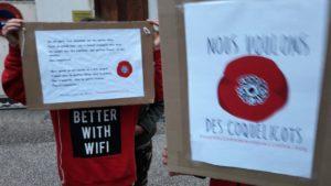 Les deux campagnes pour les cquelicots et contre le glyphosate se complètent et ont pour objet de faire monter la mobilisation (© Pierre Nouvelle).