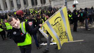 Comme dans d'autres manifestations politiques et syndicales d'hier et d'aujourd'hui, le président de la république reste au centre de la contestation (© Pierre Nouvelle).