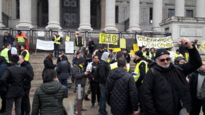 Samedi 21 avril, l'acte 23 du mouvement des Gilets jaunes a donné lieu à des affrontements entre casseurs et policires, dont des journalistes ont fait les frais (© Pierre Nouvelle).