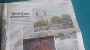 Notre Dame en fête, ou Notre Dame en feu, un beau décor pour faire du buzz et de l'audience (© Pierre Nouvelle).