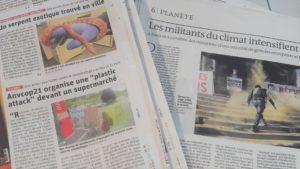 De l'esplanade de la Défense aux rayons des supermarchés locaux, l'action non-violente est à l'ordre du jour (© Pierre Nouvelle).