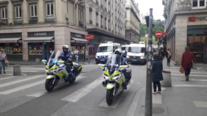 Présents en tête du défilé revendicatif dans l'exercice de leur métier, les policiers n'étaient pas visibles sous une bannière syndicale, à la différence de la manifestation d'octobre 2017  © Pierre Nouvelle ).