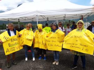 L'avenir de l'eau en France et donc de la propriété des barrages s'inscrit aussi dans les préoccupations des Gilets jaunes qui sont allés manifester en Isère (© Patricia GJ ).