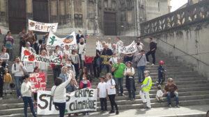 En mars comme en avril, des gilets jaunes ont défilé avec les militant.e;s pour la climat ( © Pierre Nouvelle ).
