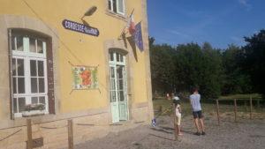 La gare de Cordesse-Igornay revit neuf mois par an grâce à des amoureux des chemins de fer ( © Pierre Nouvelle ).