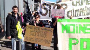 En mars dernier, des Gilets jaunes viennois avaient rejoint la marche pour le climat ( © Pierre Nouvelle ).