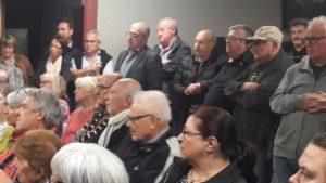Le conseil municipal d'Ampuis était bien représenté et a dû répondre aux questions de l'assemblée (© Pierre Nouvelle ).