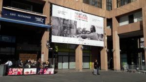 Dès l'arrivée à Lyon, à la sortie de la gare de la Part-Dieu, Coppola donne le ton du 11e festival Lumière ( © Pierre Nouvelle ).