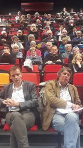 Plus d'une centaine de personnes avait ine de personnes avait rejoint le Grand Amphi de l'université Lyon2 en ce mardi 22 octobre pour débattre autour des défis auxquels sont confrontés les syndicats ( © Pierre Nouvelle ).