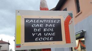 Entre le 1er et le 3 novembre, il fallait faire halte au cœur du bourg d'Assieu pour rencontrer Cécile Marthouret et ses productions ( © Pierre Nouvelle ).