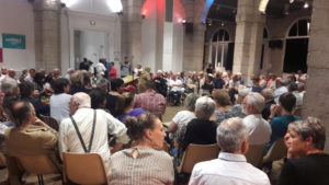 Une assistance conséquente a honoré la première réunion publique d'Erwann Binet, en lice pour les élections municipale de Vienne ( © Pierre Nouvelle ).