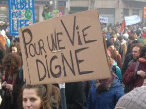 C'est pour une réforme juste des retraites et pour une vie digne que les manifestants seront unitairement dans les rues ce 17 décembre 2019 © Pierre Nouvelle ).