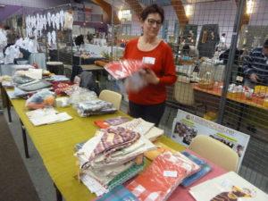 Avec trois autres associations de solidarité, Volontariat pour l'Inde était présent au 23e marché de Noël d'Ampuis ( © Pierre Nouvelle ).