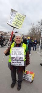 """Les retraité.e;s ne manquaient pas, qu'ils portent un gilet jaune ou celui d""""un syndicat ( © Pierre Nouvelle )."""