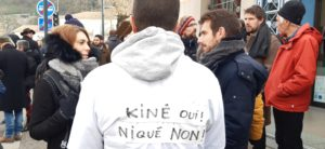 A Vienne, certains praticiens de santé libéraux avaient rejoint le manifestation contre la réforme des retraites ( © Pierre Nouvelle ).