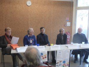 """""""Accueillir l'autre"""" était le thème du débat qui s'est déroulé au lycée Robin de Saint-Romain-en-Gal lors de la Semaine de prière pour l'unité des chrétiens ( © Pierre Nouvelle )."""