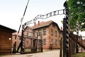 Depuis 1941, Auchwitz-1 a servi de camp de concentration et mis en œuvre des chambres à gaz avant que n'entre en fonction le très vaste camp d'extermination d'Auchwitz-Birkenau ( © DR/Wikipédia ).