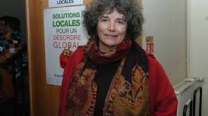 """""""Penser global, agir local..."""" Dans la ligne défendue depuis longtemps les écologistes, la réalisatrice Coline Serreau développe toute sa création artistique ( © DR/Ouest-France )."""