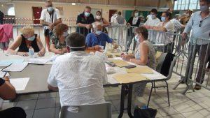 Avec un taux d'abstentions record, les candidats des trois listes étaient assez amers ( © Pierre Nouvelle ).